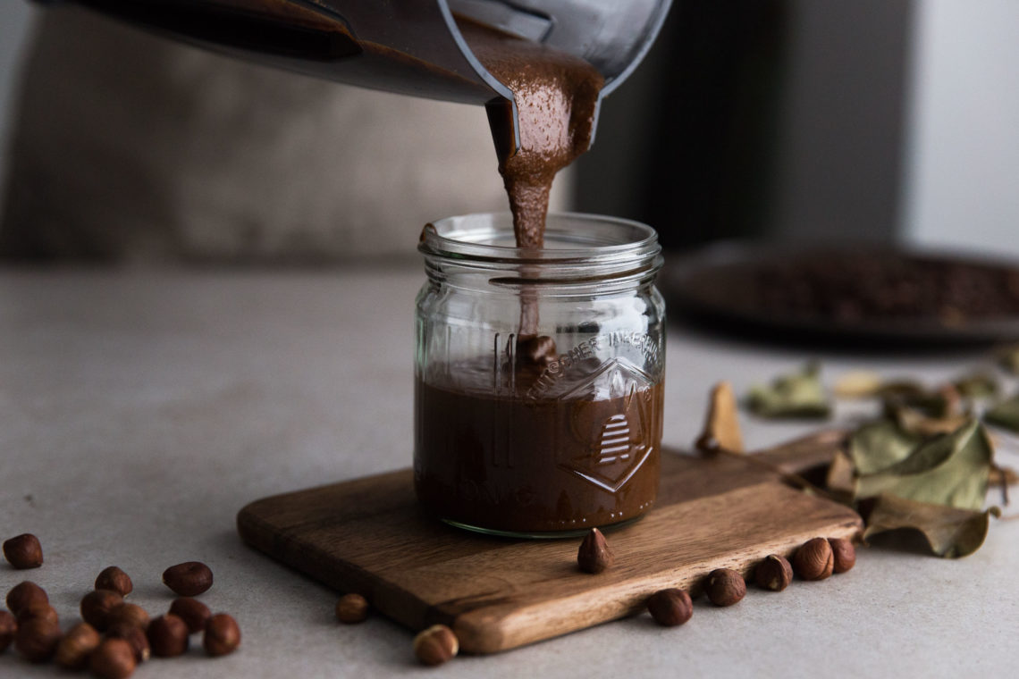 Haselnuss-Mus mit Schokolade