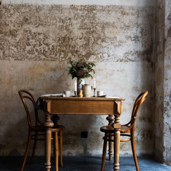 Rustikal gedeckter Tisch