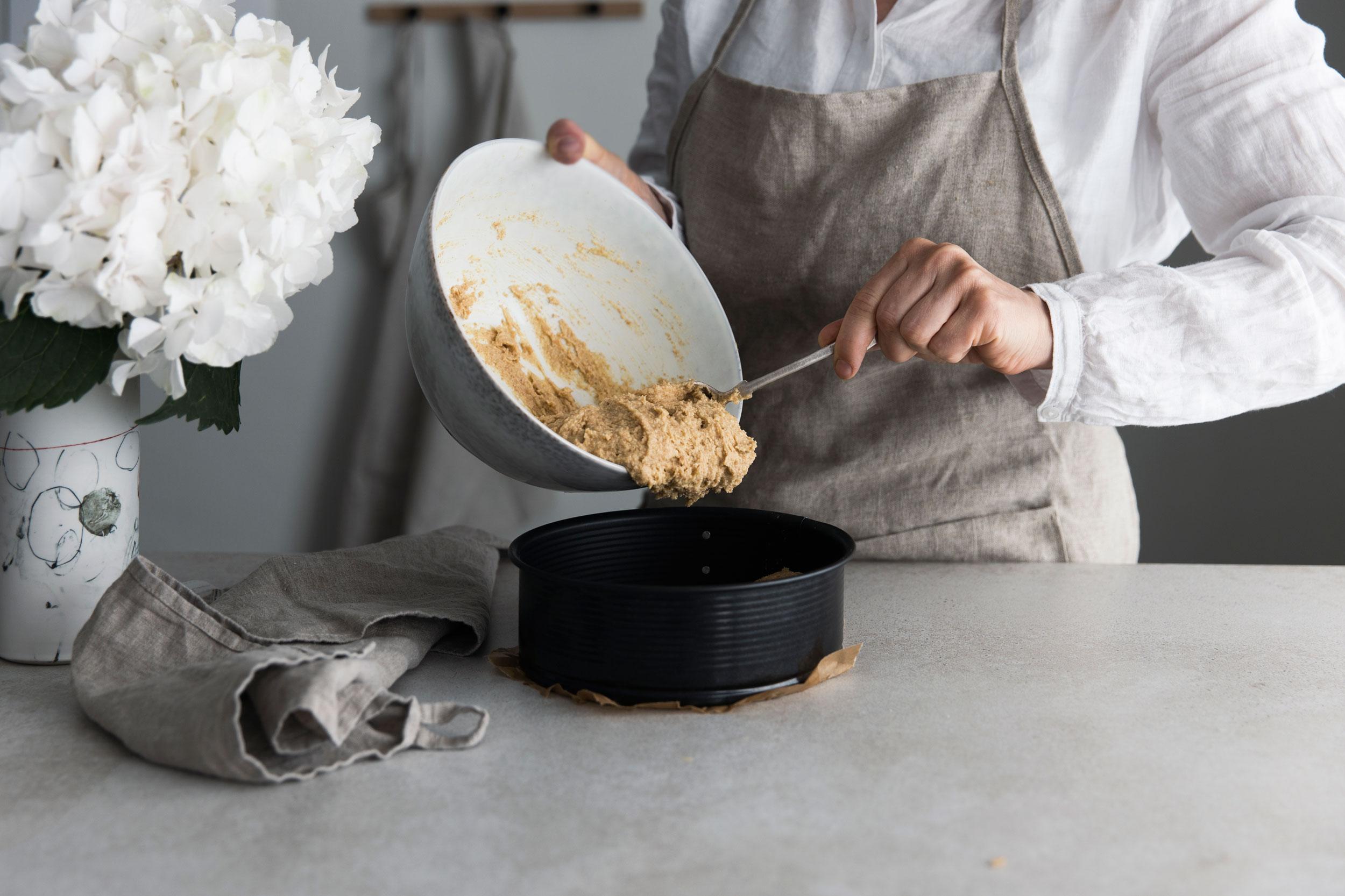 Zubereitung Johannisbeer-Kuchen mit Haselnussbaiser