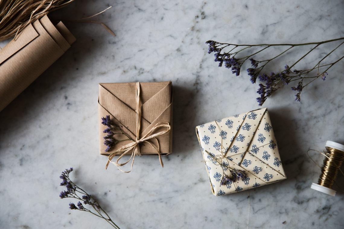 Anleitung-Geschenk-einpacken-Origami